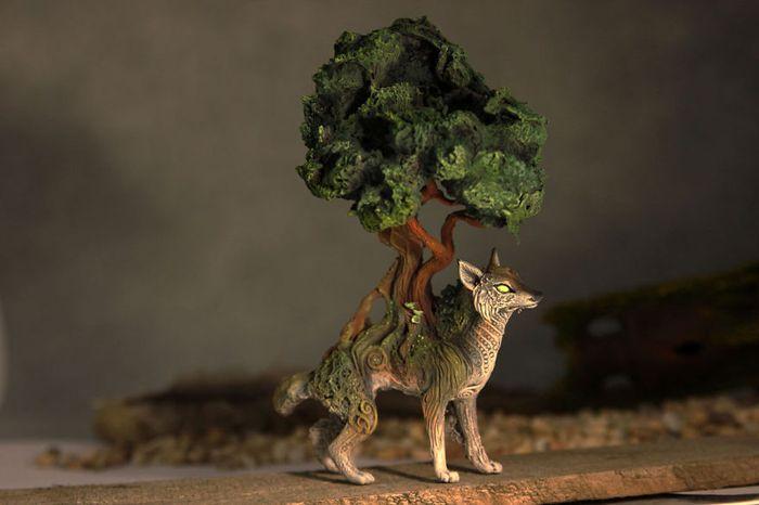 rusky-umelec-vyraba-jedinecne-sochy-z-polymerovej-hmoty-zvierata-z-magickeho-sveta-16