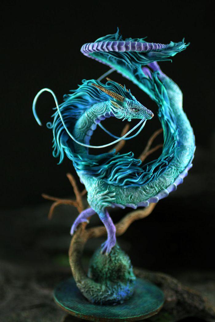rusky-umelec-vyraba-jedinecne-sochy-z-polymerovej-hmoty-zvierata-z-magickeho-sveta-3