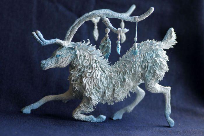 rusky-umelec-vyraba-jedinecne-sochy-z-polymerovej-hmoty-zvierata-z-magickeho-sveta-4
