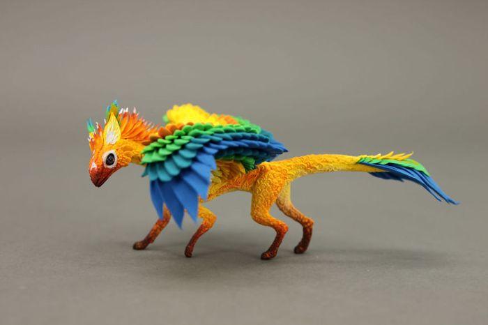 rusky-umelec-vyraba-jedinecne-sochy-z-polymerovej-hmoty-zvierata-z-magickeho-sveta-6