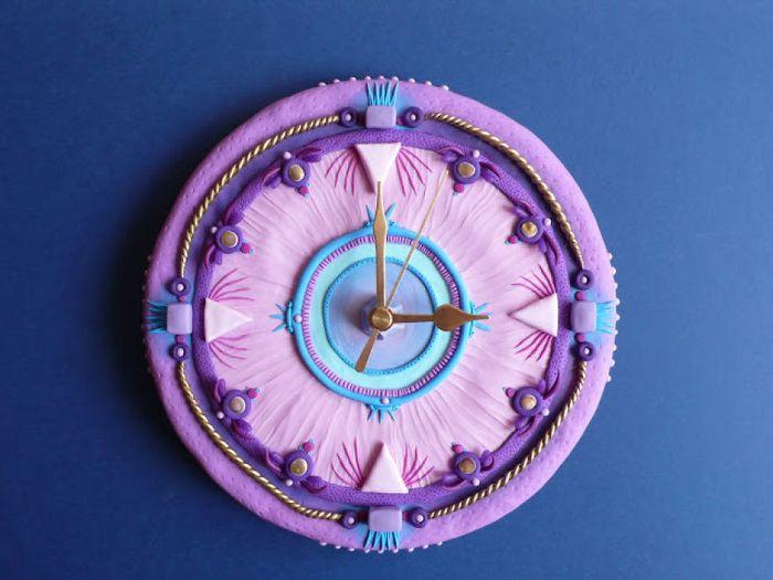 vyraba-hodiny-z-polymeru-inspirovane-podvodnym-svetom-a-prirodou-ako-takou-5