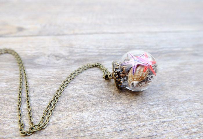 vyraba-sperky-ako-male-teraria-privesky-naramky-sklenene-kupoly-musle-kvety-9