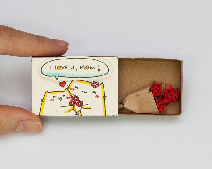 umelec-vytvara-vtipne-prekvapive-odkazy-v-zapalkovych-krabickach-1
