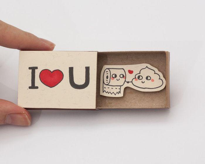 umelec-vytvara-vtipne-prekvapive-odkazy-v-zapalkovych-krabickach-2