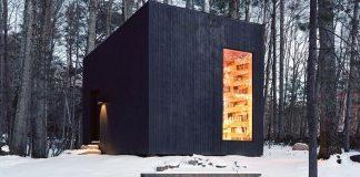 Knižnica v srdci lesa Hemmelig Rom je snom každého milovníka kníh!