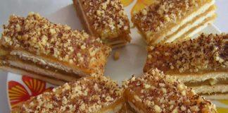Nepečený jablkový koláč s vanilkovým pudingom a orechmi | Recept