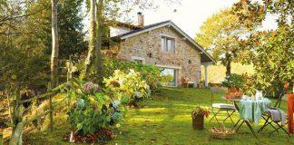 Vidiecky domček v rustikálno-romantickom štýle si vás získa svojou útulnosťou