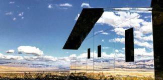 Zrkadlový dom Mirage odráža v sebe krásu okolitej prírody | Doug Aitken