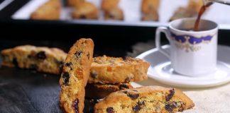 Biscotti - chrumkavé talianské sušienky plné sušeného ovocia | Recept