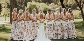 Šaty pre družičky s kvetinovými motívmi | Svadobné nápady a inšpirácie
