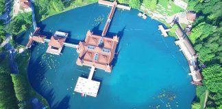 Najväčšie termálne jazero Hévíz v Európe máme len na skok