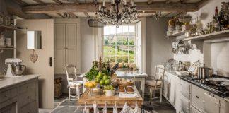 Dom pri jazere zariadený v štýle anglického vidieka | Lake House
