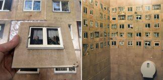 Toaleta zdobená obkladačkami s fotografiami okien miestnych panelákov