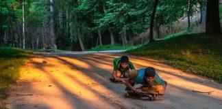 Čarovné zábery, ako sa hrajú deti v rôznych kútoch našej planéty