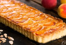 Marhuľový tart s mandľovou náplňou frangipane | Recept, ktorý si zamilujete!