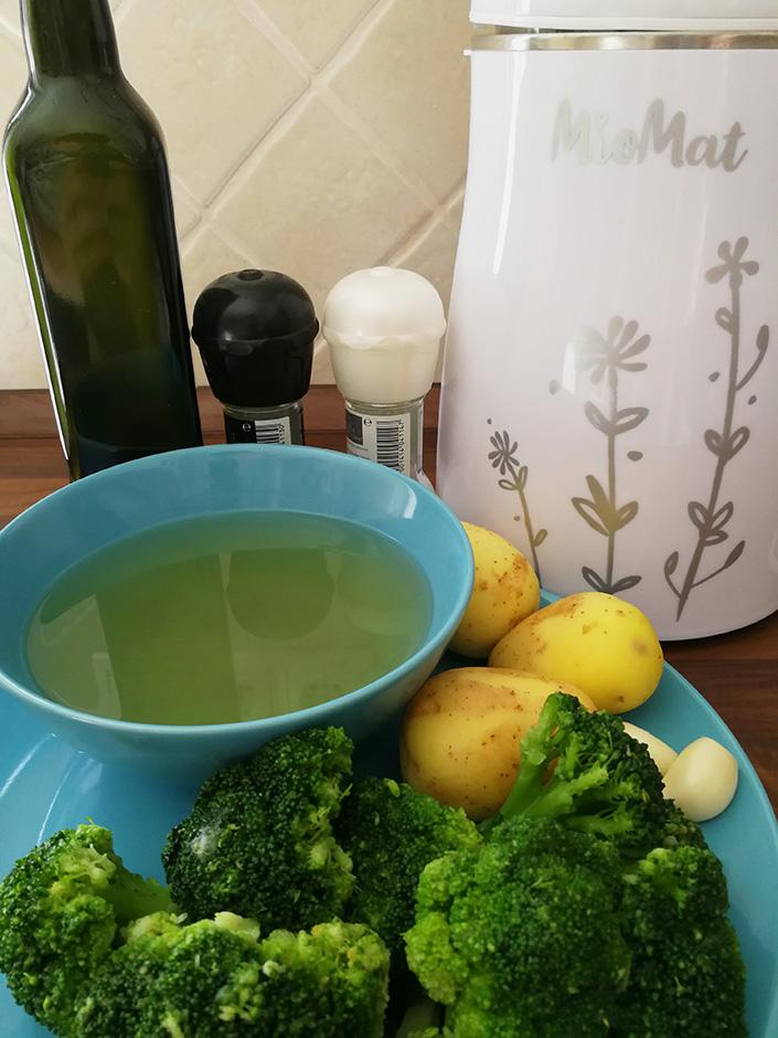 brokolicova polievka s cesnakom