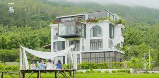 7 priateliek sa rozhodlo žiť spolu do konca života a kúpili si krásny dom