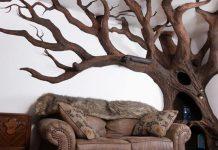 Škrabadlo pre mačky v tvare stromu vytvoril priamo v obývačke, a hľa...